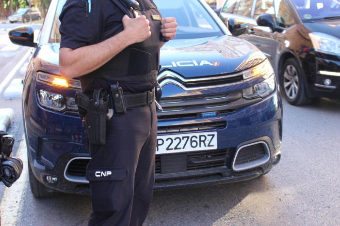 Detingut un home a València per agredir sexualment al seu company de pis mentre es dutxava