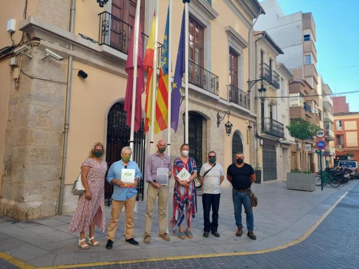 VOX València denuncia al regidor socialista de Cullera, Alejandro Morales, per un delicte d'odi