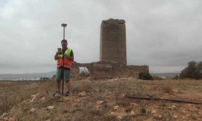 Llombai reclama fons a la Diputació i la Generalitat per a evitar una possible ensulsiada de la Torre Aledua del s. XII