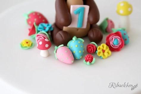 Mini fondant flowers, strawberries and mushrooms - Mini Fondant Blumen, Erdbeeren und Pilze