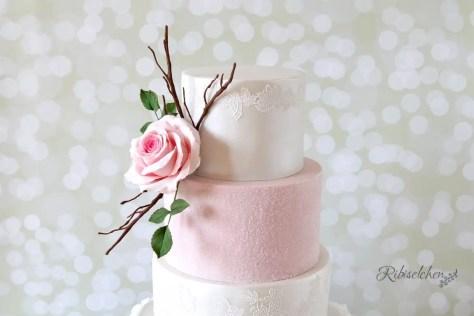 Hochzeitstorte Spitze