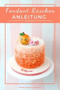 Hier findest du eine Schritt-für-Schritt Anleitung mit vielen Fotos, wie du selber leicht Fondant Rüschen auf deine Torte zaubern kannst!