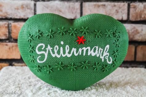 stehende fertige Herztorte mit dem Steiermark Herz