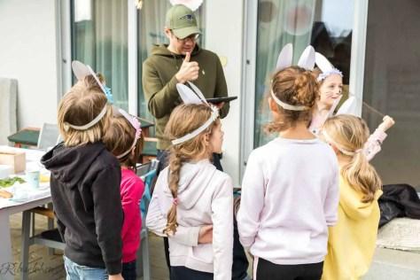 Kinder beim Hasenquiz