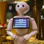 Pepper, il robot che gestisce i buffet in hotel