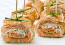 Rotolini di crepes con ricotta e salmone