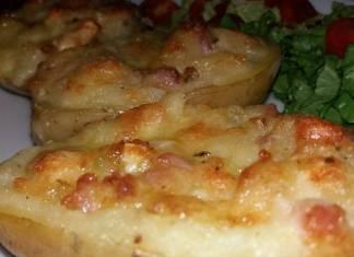Patate ripiene al forno con formaggi e prosciutto cotto