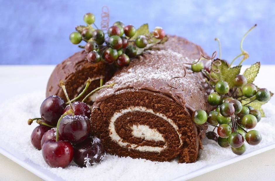 Decorare Il Tronchetto Di Natale.Ricetta Tronchetto Di Natale Facilissima Originale E Velocissima