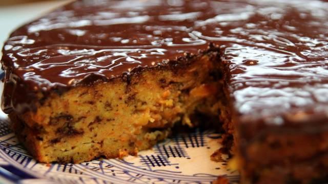 torta di carote con cioccolato