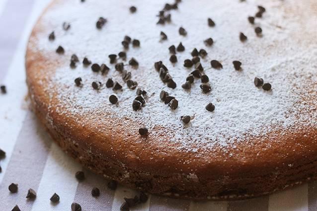 torta cinque minuti con gocciole di cioccolato