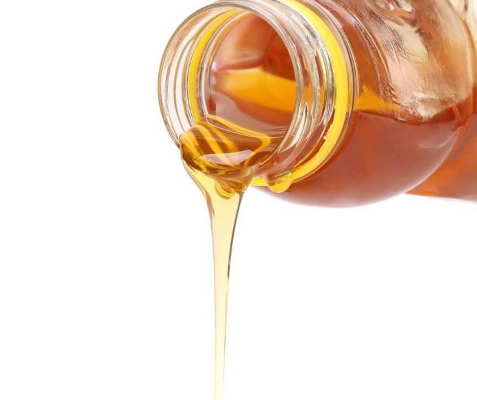 Ciambellone alla Ricotta con Miele e Pinoli