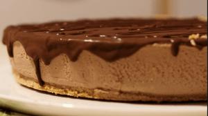 torta gelato al cioccolato con mandorle