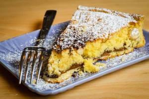 torta farcita con nutella e nocciole