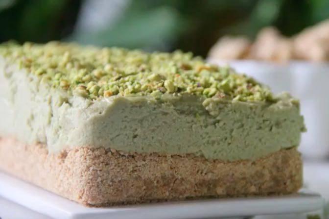 cheesecake salata con pistacchi-min