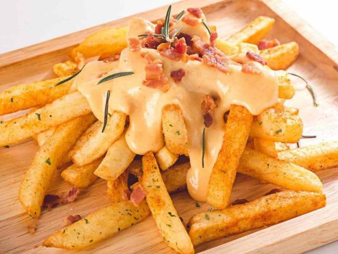 Patate Fritte con Crema al Formaggio