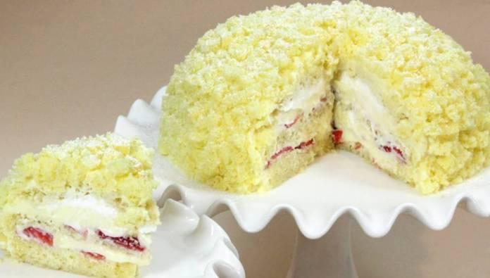 torta Mimosa con crema di limone e fragole