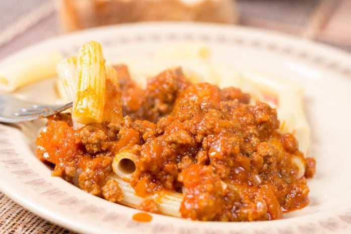 Pasta alla rusticana con salsiccia - ricettasprint.it