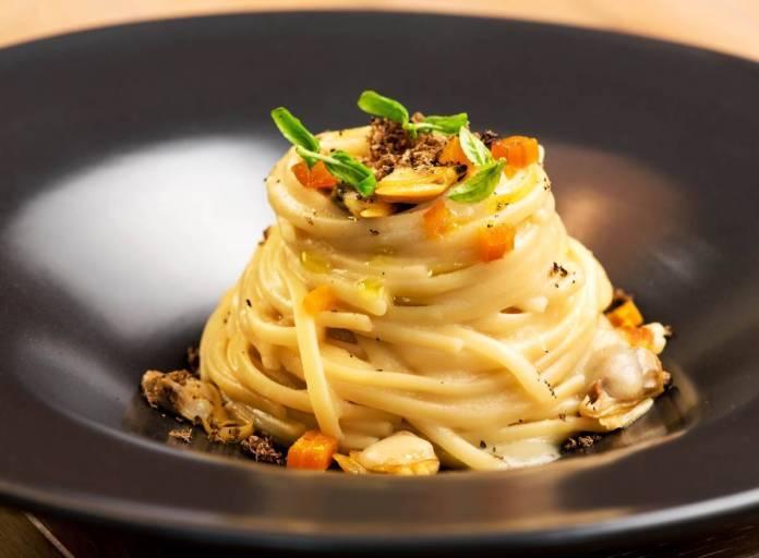 Spaghetti alle Vongole con Rana Pescatrice