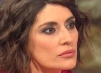 Elisa Isoardi minaccia Clerici FOTO - ricettasprint
