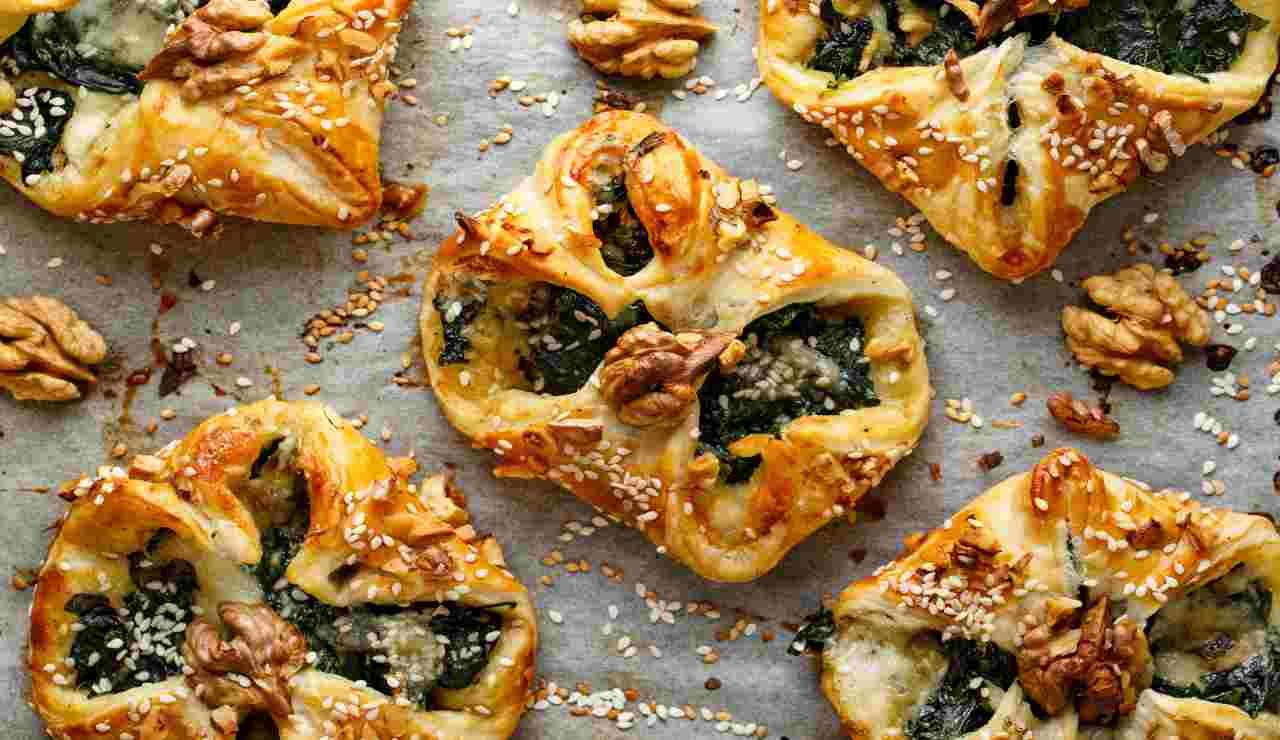 Fiorellini di pasta sfoglia con gorgonzola spinaci e noci