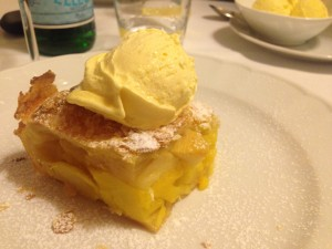 Torta mele gelato crema
