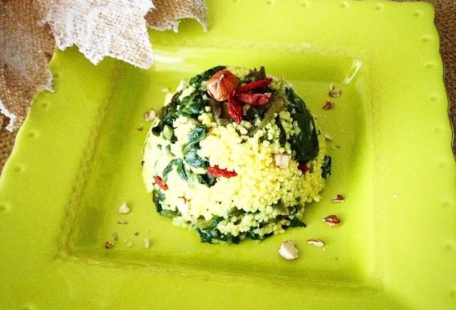 miglio spinaci vegan millet goji berries