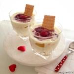 Bicchierini di tiramisu senza uova  con pesche al timo e lamponi | Summer fruit and chantilly parfait