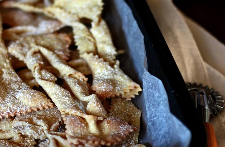 chiacchiere-forno-panna-vegan-baked-sweet-fritters