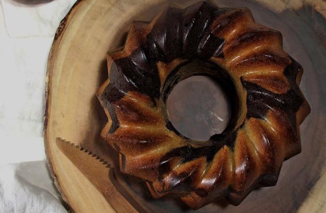 ciambella-bicolore-pistacchio-cioccolato-chocolate-pistachio-bundt-cake-vegan