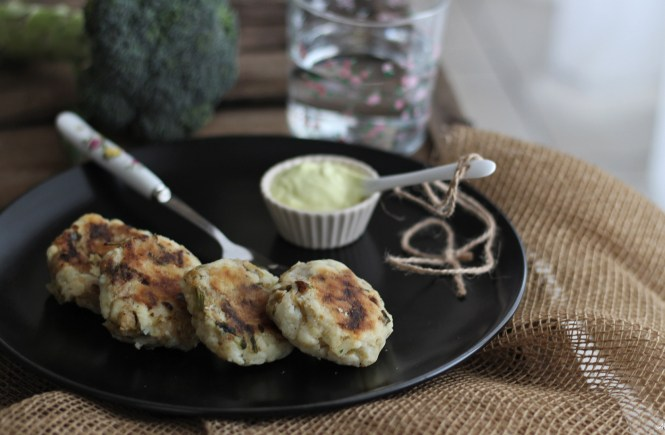 polpette-vegan-patae-broccoli-potato-fritters