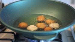 frittelle-di-riso-dolci-senza-glutine-uova