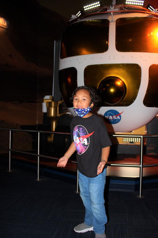 KENNEDY SPACE CENTER KID