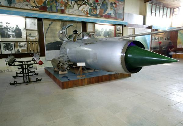 MiG-21 cockpit and armament