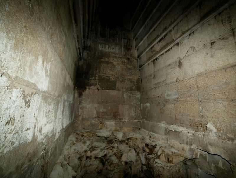 Red Pyramid burial chamber
