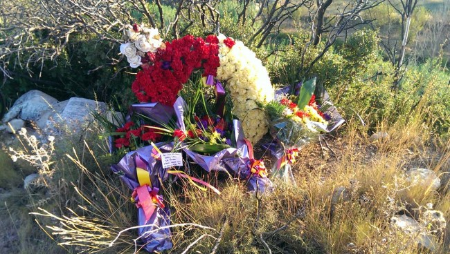 Memorial wreaths (alternative view)