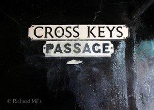 Cross-Keys-Passage---Winchester---Oct-2011-415e-©