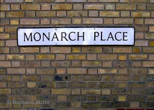 Monarch-Place---Buckhurst-Hill---May-'09-23-e-©