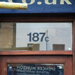 187C Loughton - June 2012 33 esq © resize