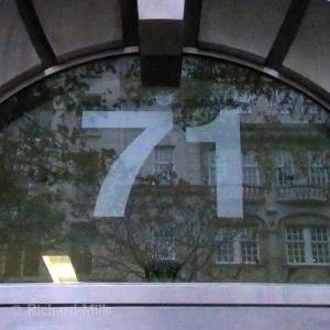 071 London - April 19 esq © resize