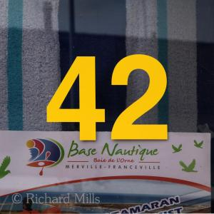 42 Merville-Franceville Normandy 2012 D8 2200 esq sm © resize