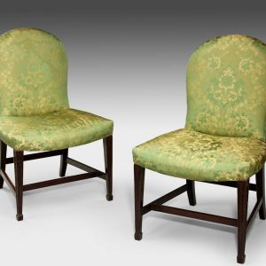 ANTIQUE PAIR OF HEPPLEWHITE PERIOD MAHOGANY SIDE CHAIRS