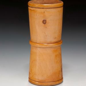 ANTIQUE BOXWOOD DICE SHAKER