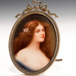 ANTIQUE OVAL PORCELAIN PORTRAIT MINIATURE PLAQUE