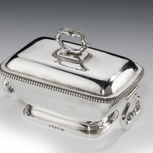 ANTIQUE SMALL GEORGIAN SILVER VEGETABLE TUREEN & COVER