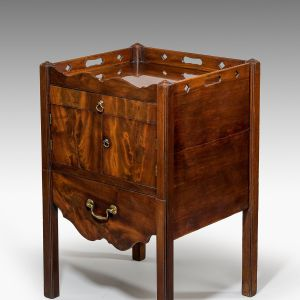 ANTIQUE GEORGE III MAHOGANY NIGHT/BEDSIDE TABLE