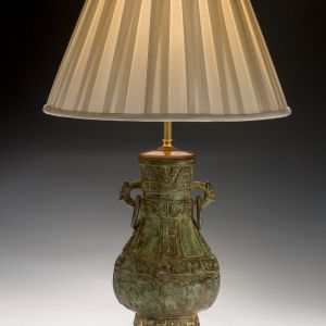 ANTIQUE CHINESE BRONZE VASE TABLE LAMP