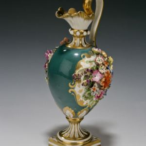 ANTIQUE DERBY PORCELAIN EWER FLOWER ENCRUSTED