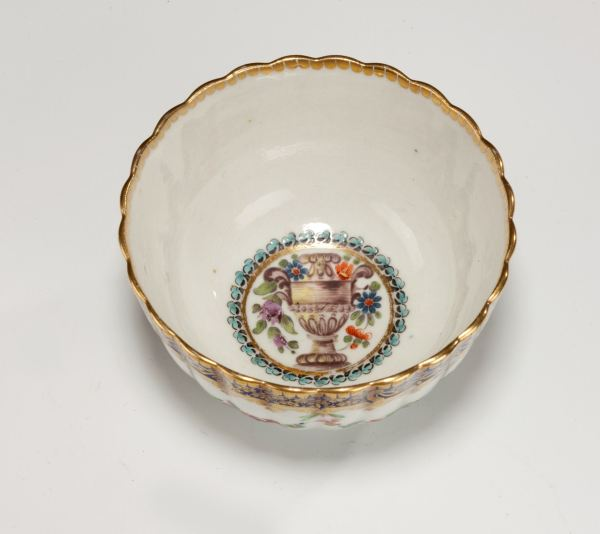 Worcester-coffee-cup-tea-cup-saucer-painted-urn-antique-4327_1_4327
