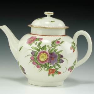 ANTIQUE WORCESTER PORCELAIN TEAPOT PAINTED FLOWERS
