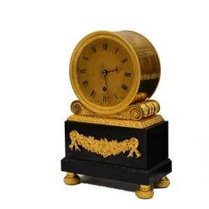 ANTIQUE REGENCY ORMOLU AND MABLE DRUM SHAPED MANTEL CLOCK